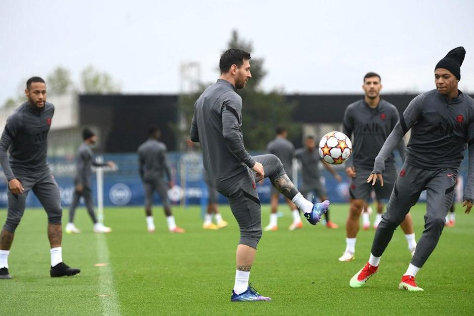 Lionel Messi trains today with Neymar and Kylian Mbappe (AFP via Getty Images)