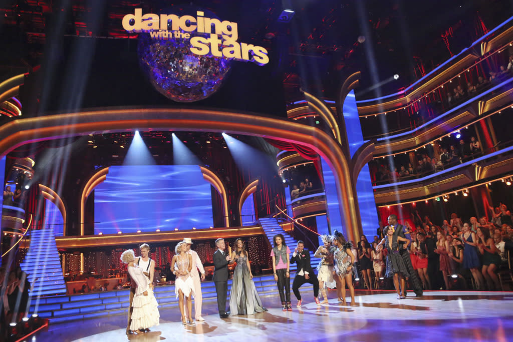 Five remaining couples took to the ballroom floor during the Semi-Finals. Each couple performed two routines, inching their way one step closer to the coveted mirror ball trophy. Last week viewers were asked to vote via twitter on a new style of dance for each couple to perform; this week the couples performed their chosen style, including the Flamenco, Charleston, Afro Jazz, Lindy Hop and Hip Hop. Each couple was also be challenged to take on a ballroom or Latin style dance they have yet to perform this season.