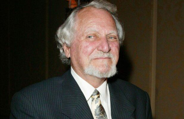 Clive Cussler, Author of Best-Sellers Like 'Raise the Titanic,' Dies at 88