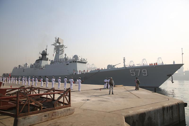 The Chinese Navy's frigate Handan arrives at Pakistan's southern port city of Karachi, Nov. 15, 2016. The Chinese Navy's frigate Handan on Tuesday docked at Pakistan's southern port city of Karachi to participate in bilateral joint drills in Pakistani waters. Handan will take part in the joint drills with Pakistan Navy from Nov. 15 to 21, aiming at enhancing bilateral training level, promoting tactics exchanges and sharing experiences on anti-piracy.