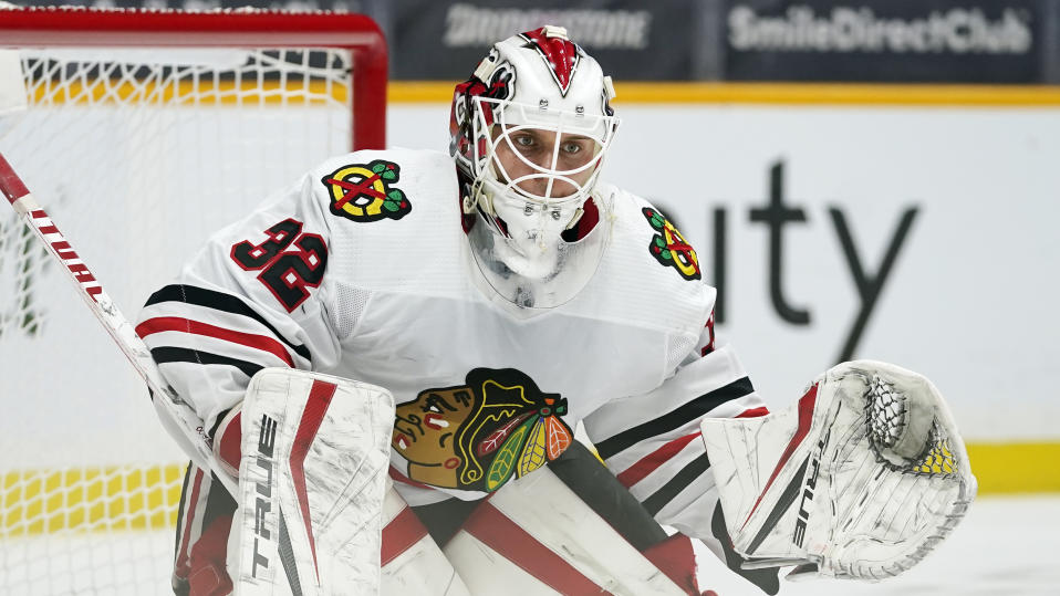 Chicago Blackhawks goaltender Kevin Lankinen (32)