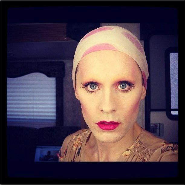 "Jared Leto lost a ton of weight and bleached off his eyebrows to play the role of transgender AIDS victim Rayon in ""Dallas Buyers Club."" (He even put away his man bun!). The role won the actor/singer a Golden Globe, as well as an Oscar for Best Supporting Actor."