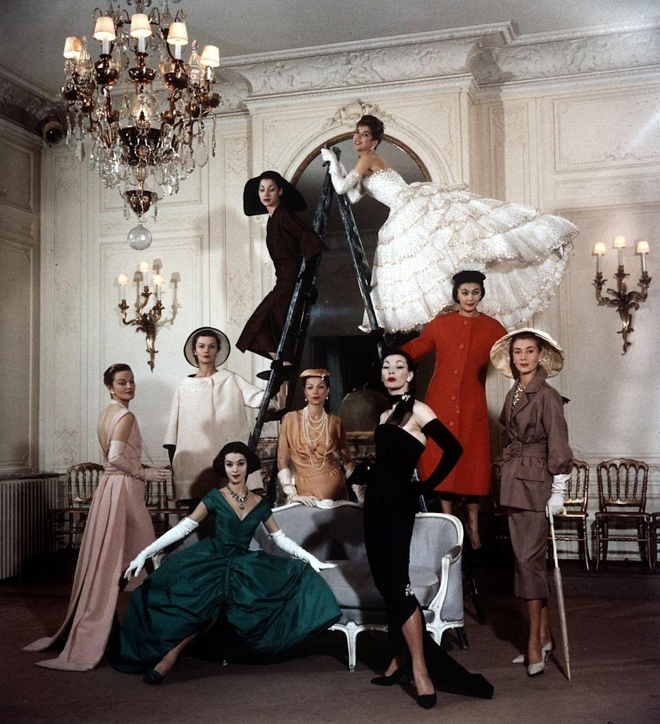<p>The House of Christian Dior created trends throughout the '50s, starting with the aforementioned tea-length gowns and extending to elegant coat dresses and evening gowns.</p>