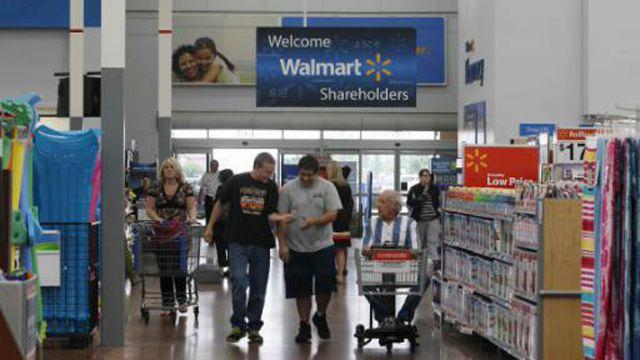 Shelby Township, Michigan, USA - March 23, 2016: People at a Sam's Club. Sam's Club is a membership warehouse chain owned and operated by Walmart.