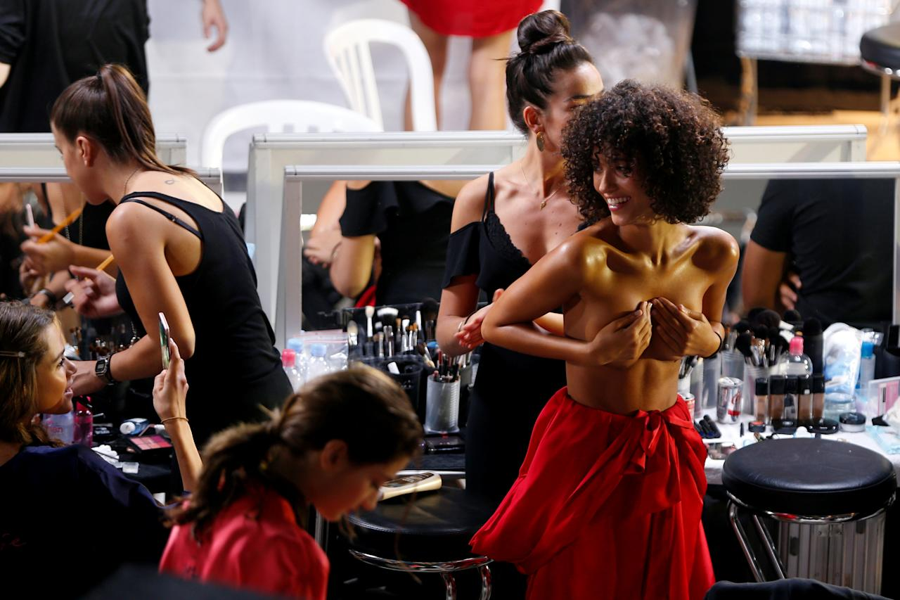 Models get ready backstage before the presentation of the Etam Live Show Lingerie at the Fashion Week in Paris, France, September 27, 2016.  REUTERS/Charles Platiau