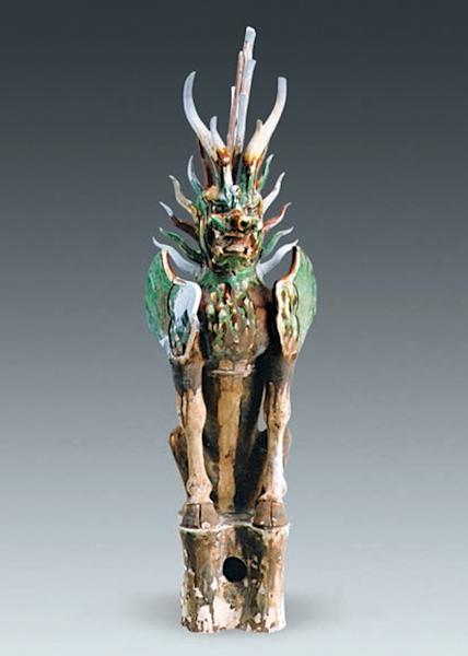 This tomb guardian with a flame-shaped mane was also found in the ancient tomb of Yan Shiwei and his wife Lady Pei.