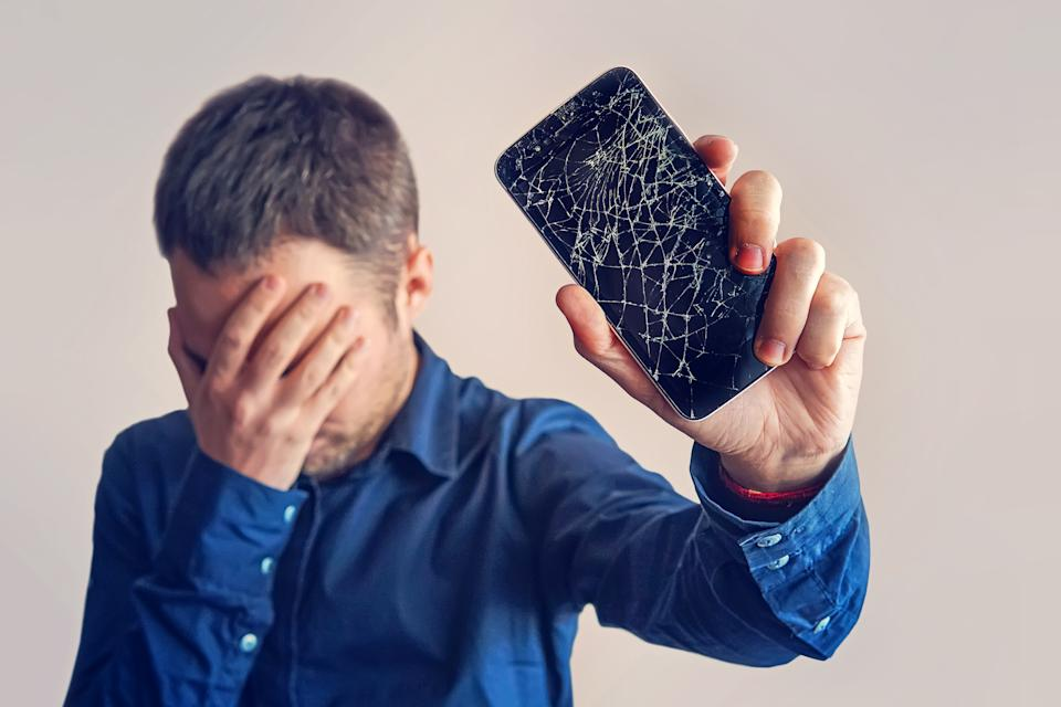 Cracked the front of your smartphone screen? Protect yourself. (Photo: Getty)