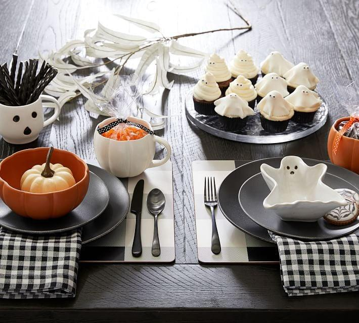 <p>The <span>Ghost Shaped Stoneware Individual Bowls</span> ($50) make the perfect tabletop decor. </p>