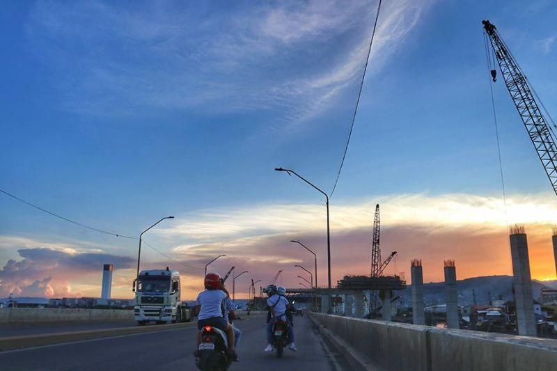 DILG brings back motorcycle backriding but only for couples