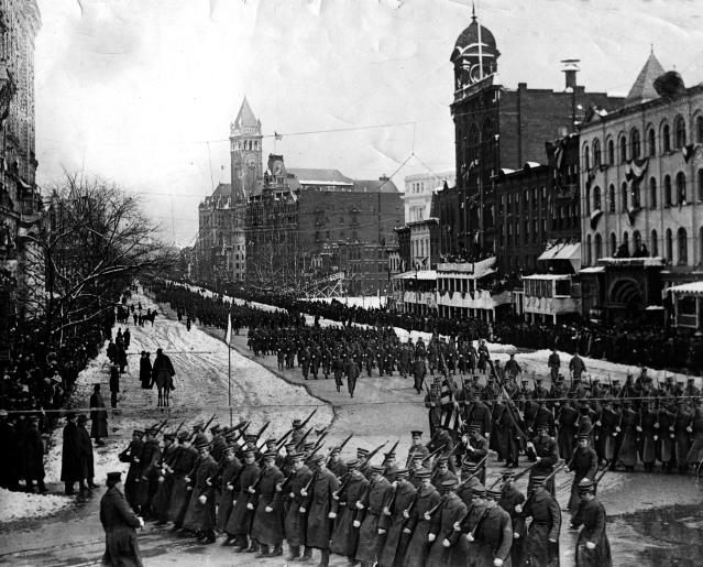 The inaugural procession for President William Howard Taft takes place in Washington, D.C., on March 4, 1909. (AP Photo)