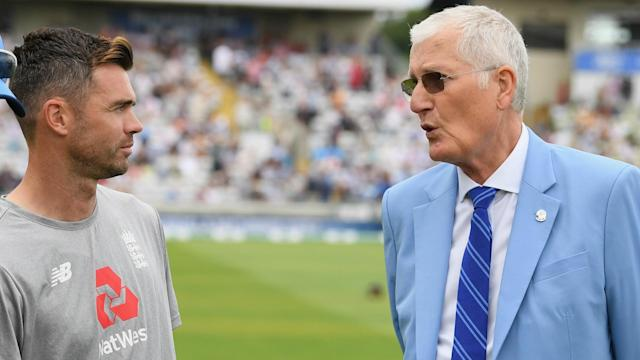 The death of Bob Willis has prompted tributes from two players who passed his England Test wickets record, James Anderson and Stuart Broad.