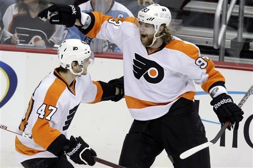 Flyers bully their way past Penguins, 6-4