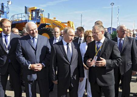 Russian President Putin and his Belarussian counterpart Lukashenko visit an exhibition of industry produced in the regions of two countries in Sochi