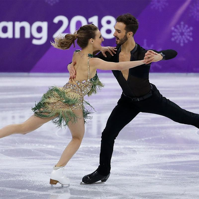 Gabriella Papadakis Skates Through Wardrobe Malfunction During Olympic Routine