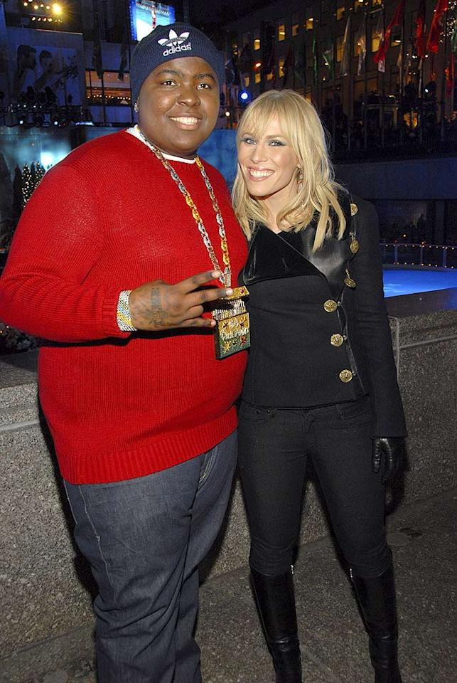 """Rapper Sean Kingston joins Brit buddy Natasha Bedingfield at the holiday kickoff. The English muffin and the King of Bling can currently be heard crooning together on Natasha's latest single """"Love Like This."""" Kevin Mazur/<a href=""""http://www.wireimage.com"""" target=""""new"""">WireImage.com</a> - November 28, 2007"""