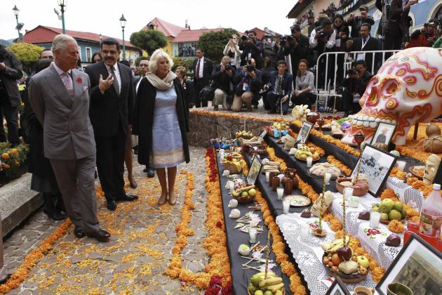 Prince Charles and Camilla, Duchess of Cornwall, attend Day of the Dead in Pachuca, Mexico. (Reuters)