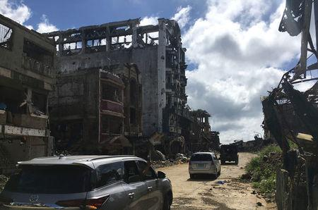 A view of the facade, of the battered Landbank building, looted by militants, in the early days of the Marawi siege, Philippines January 13, 2018.  REUTERS/Tom Allard/Files