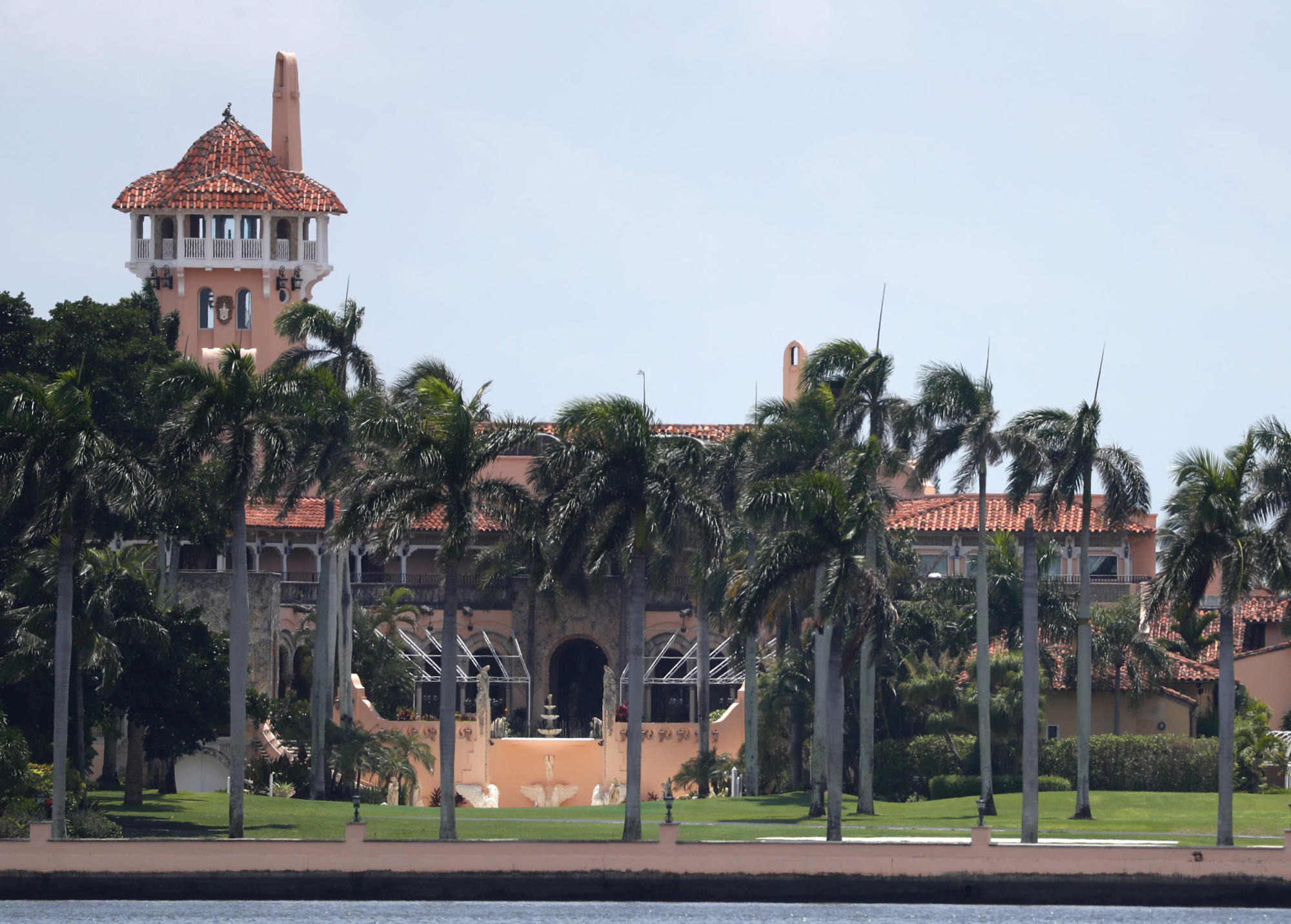 Trump's Mar-a-Lago warned over coronavirus mask violations