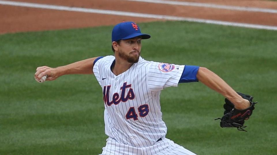 Jacob deGrom Mets in windup during 2020 Opening Day