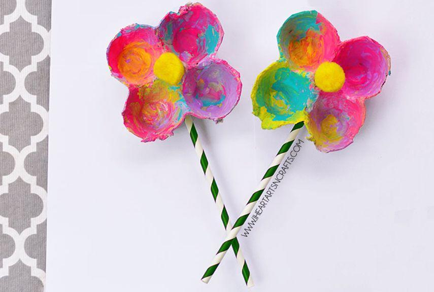 "<p>Round up all your leftover egg cartons from Easter and use them to make these colorful ""flowers"" that'll never wilt or fade. The little ones will have a blast coating them with paint.</p><p><strong>Get the tutorial at <a href=""http://www.iheartartsncrafts.com/egg-carton-flowers-kids-craft/"" rel=""nofollow noopener"" target=""_blank"" data-ylk=""slk:I Heart Arts N' Crafts"" class=""link rapid-noclick-resp"">I Heart Arts N' Crafts</a>.</strong></p>"