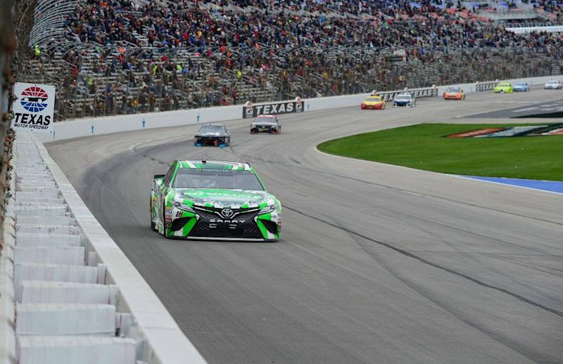 Harvick takes Texas to clinch championship spot