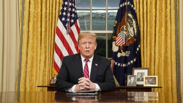 PHOTO: President Donald Trump delivera televised address to the nation from his desk in the Oval Office about immigration and the southern U.S. border at the White House in Washington, Jan. 8, 2019. (Carlos Barria/Reuters)