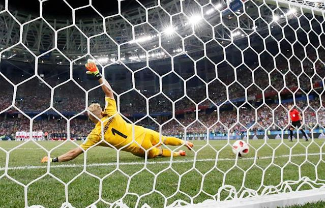 Goalkeeper Kasper Schmeichel of Denmark during the shootout of the FIFA World Cup 2018 round of 16 soccer match between Croatia and Denmark in Nizhny Novgorod, Russia, 01 July 2018. EFE