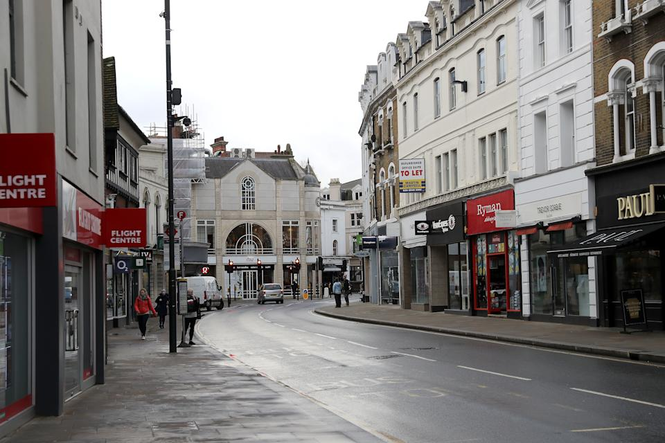 RICHMOND, ENGLAND - JANUARY 19: The partially deserted shopping high street in Richmond-Upon-Thames during the UK's third COVID-19 lockdown on January 19, 2021 in Richmond, London . With a surge of covid-19 cases fueled partly by a more infectious variant of the virus, British leaders have reimposed nationwide lockdown measures across England through at least mid February. (Photo by Chris Jackson/Getty Images)