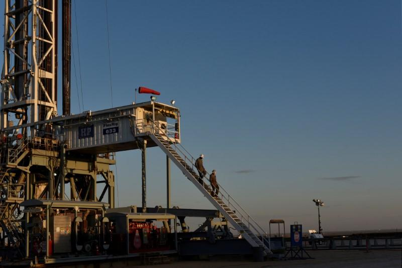 U.S. shale producers begin restoring output as oil prices turn higher