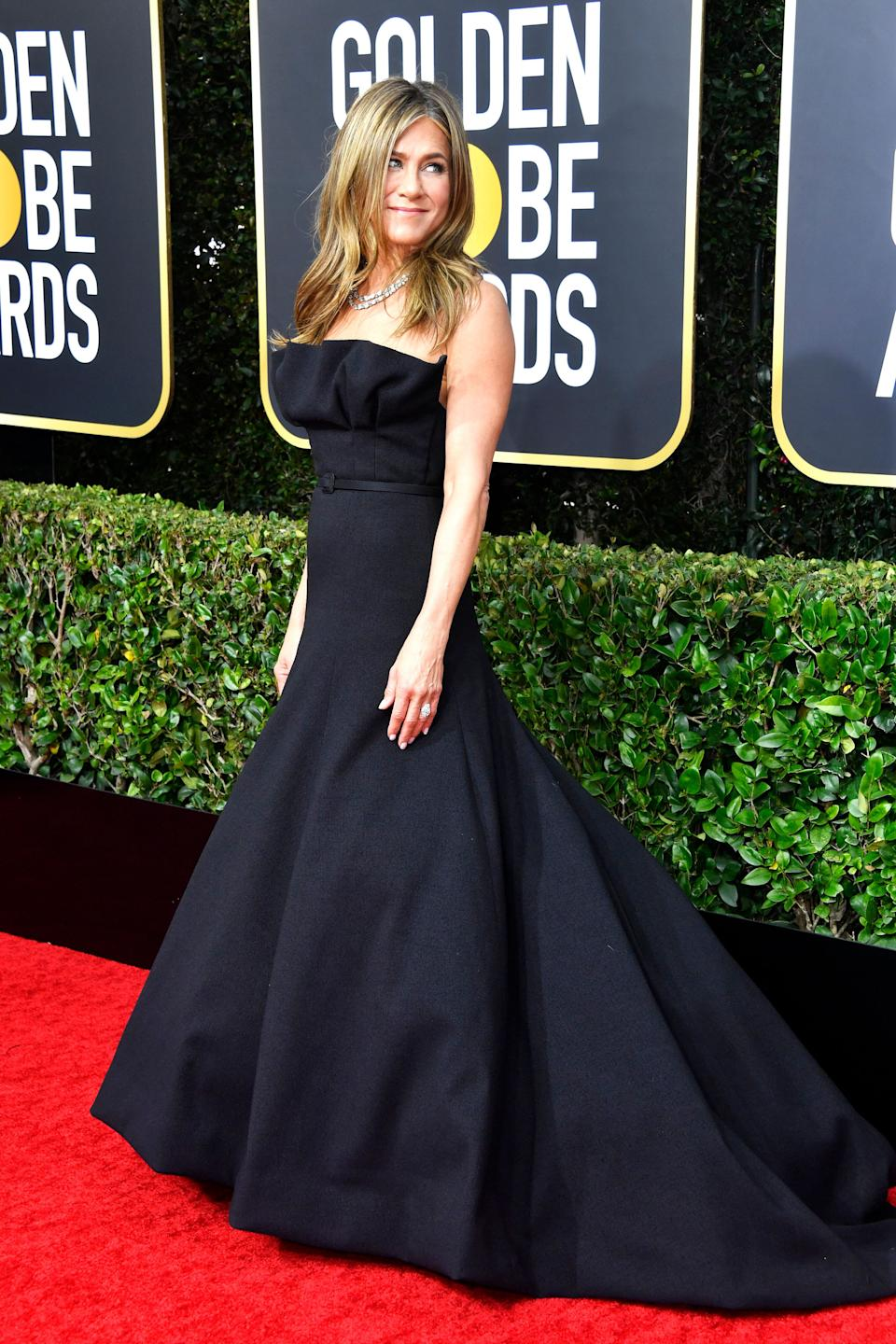 This gown has a lovely and graceful silhouette. But at this point in her career, isn't it time for Jennifer Aniston to take some bigger risks?