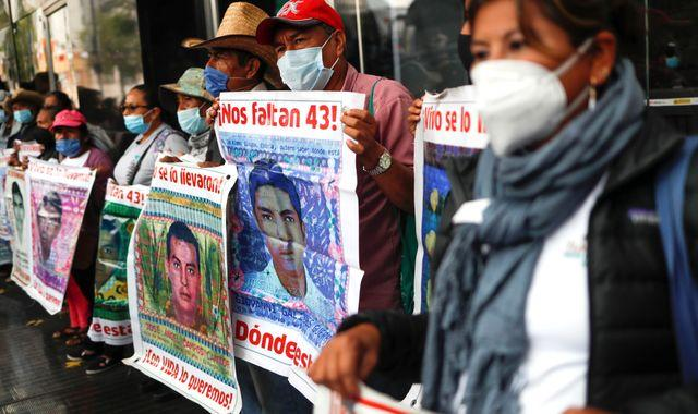Mexican police and soldiers wanted over unsolved disappearance of 43 students