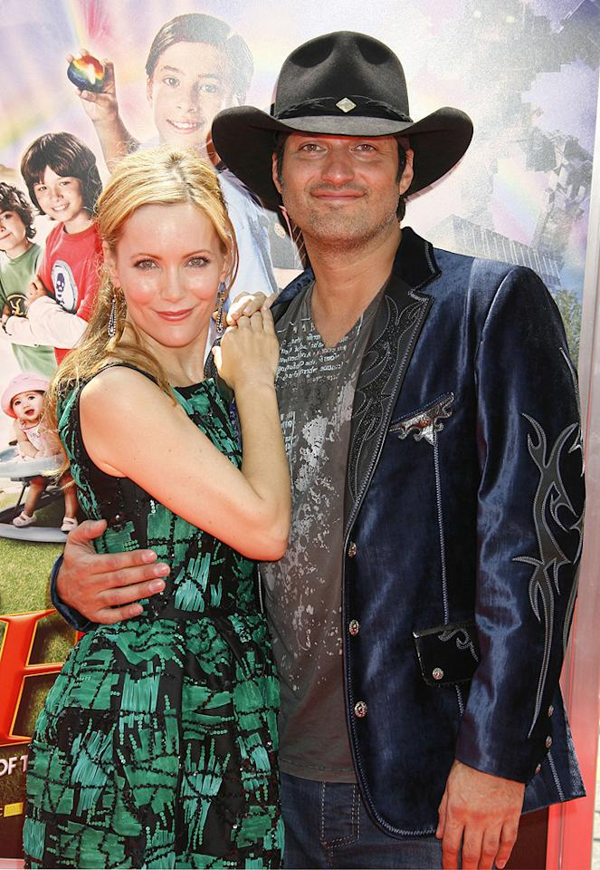 """<a href=""""http://movies.yahoo.com/movie/contributor/1800018715"""">Leslie Mann</a> and <a href=""""http://movies.yahoo.com/movie/contributor/1800021941"""">Robert Rodriguez</a> at the Los Angeles premiere of <a href=""""http://movies.yahoo.com/movie/1810030254/info"""">Shorts</a> - 08/15/2009"""