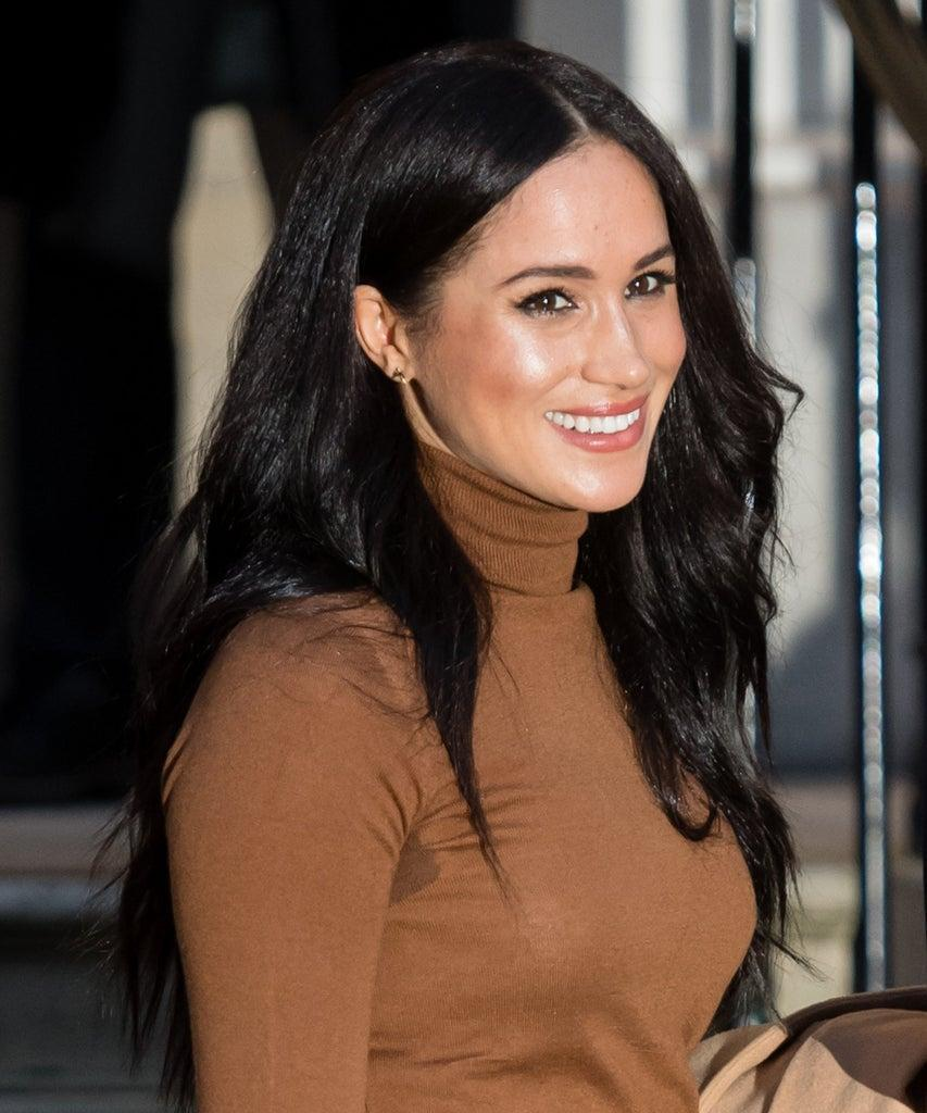 meghan markle s warm cinnamon highlights are right on trend for fall warm cinnamon highlights