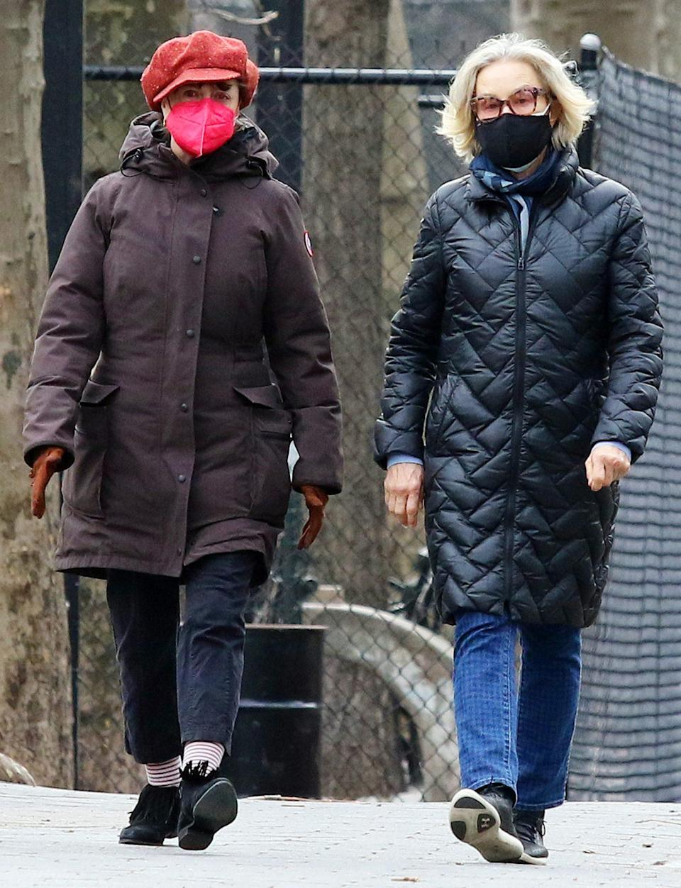 """<p>Jessica Lange and Susan Sarandon take a long walk through N.Y.C.'s East Village on Friday. <a href=""""https://people.com/movies/susan-sarandon-jessica-lange-give-back-stroll-through-nyc/"""" rel=""""nofollow noopener"""" target=""""_blank"""" data-ylk=""""slk:The two were spotted"""" class=""""link rapid-noclick-resp"""">The two were spotted</a> taking the time to give money to a man, and helping an older woman with a cane into her wheelchair.</p>"""