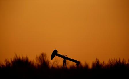 Oil prices fall nearly 2% on China data, trade war jitters