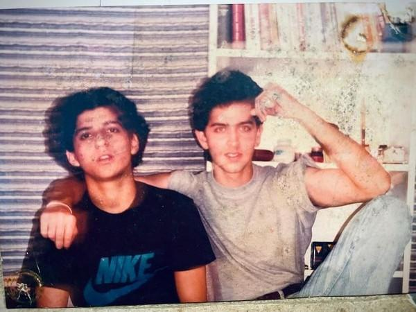 Childhood picture of Farhan Akhtar and Hrithik Roshan (Image Source: Instagram)