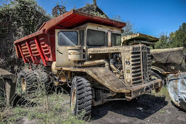"<p>The blogger behind the Abandoned Southeast says: ""The place resembles a post-apocalyptic wasteland, there's so much stuff scattered around. … Large construction equipment, cranes, trucks, even boats are stashed throughout the old steel mill."" (Photo: Abandoned Southeast/Caters News) </p>"