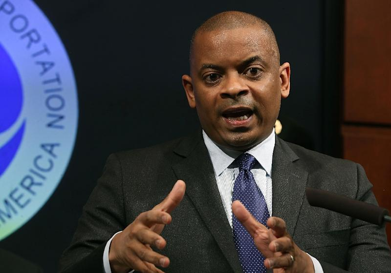 Transportation Secretary Anthony Foxx speaks about the new unmanned aircraft registration requirement during a news conference at the Department of Transportation on October 19, 2015 in Washington, DC (AFP Photo/Mark Wilson)