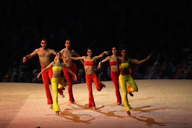 <p>Contemporary dance group Grupo Corpo perform a segment of their show Parabelo in the 'Bringing Clay to Life' segment during the Closing Ceremony on Day 16 of the Rio 2016 Olympic Games at Maracana Stadium on August 21, 2016 in Rio de Janeiro, Brazil. (Photo by Alexander Hassenstein/Getty Images) </p>