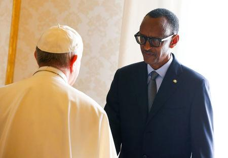Rwanda's President Paul Kagame greets Pope Francis during a private meeting at the Vatican March 20, 2017. REUTERS/Tony Gentile