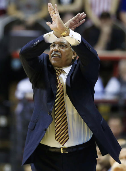 Minnesota head coach Tubby Smith shouts to his team during the second half of an NCAA college basketball game against Indiana, Saturday, Jan. 12, 2013, in Bloomington, Ind. Indiana defeated Minnesota 88-81. (AP Photo/Darron Cummings)
