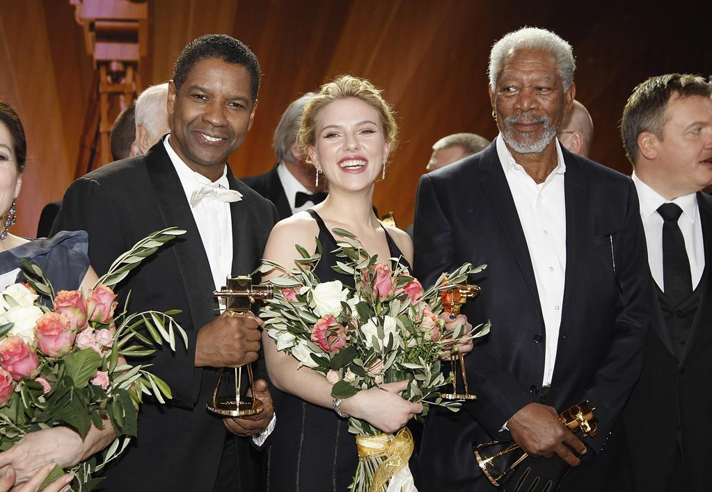 BERLIN, GERMANY - FEBRUARY 04:  Denzel Washington,Scarlett Johansson and Morgan Freeman pose for a final picture at the 47th Golden Camera Awards at the Axel Springer Haus on February 4, 2012 in Berlin, Germany.  (Photo by Andreas Rentz/WireImage)