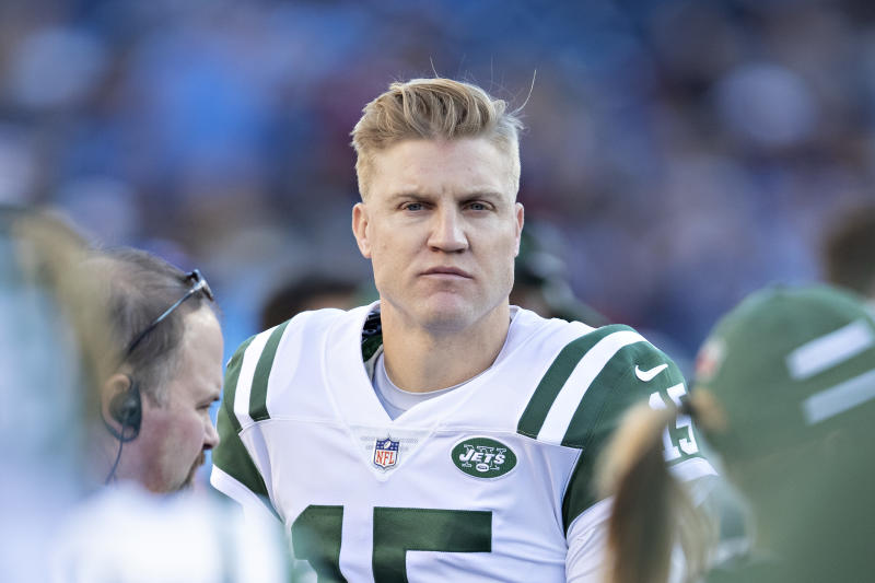 McCown unretires, agrees to deal with Eagles
