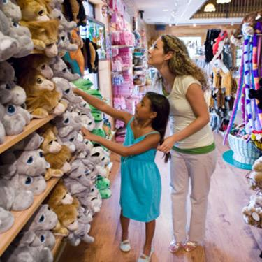 Mom-and-daughter-looking-at-stuffed-animals_web