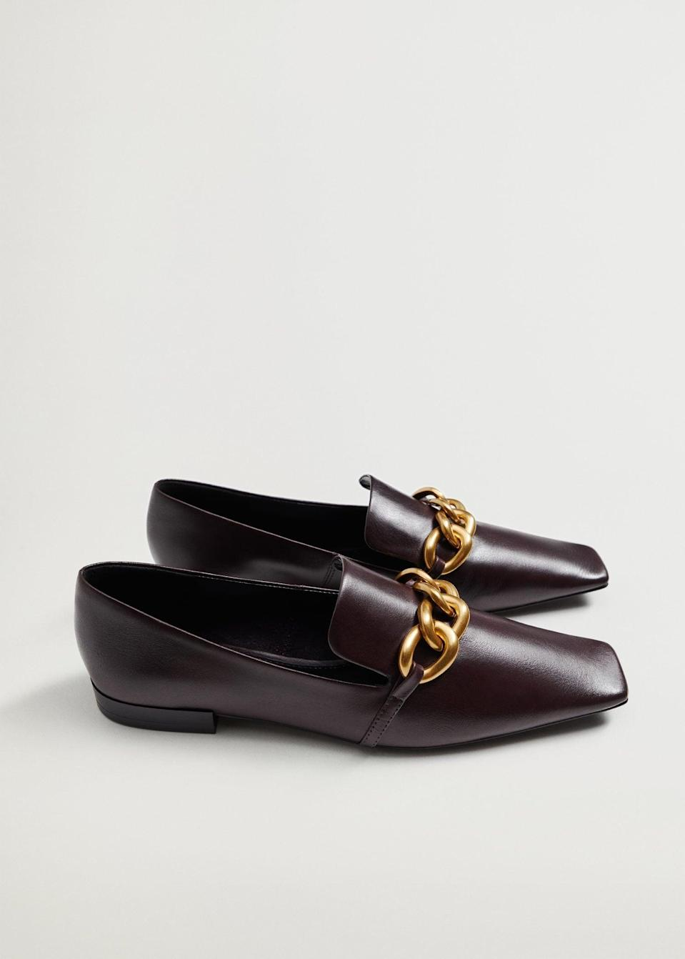 <p><span>Mango Chain Leather Loafers</span> ($100)</p>