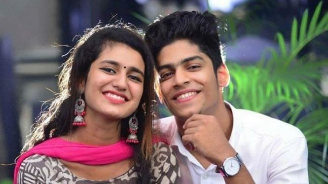 At a recent event, Oru Adaar Love stars Priya Prakash Varrier and Roshan Abdul were spotted enjoying dancing to Yaanji song.