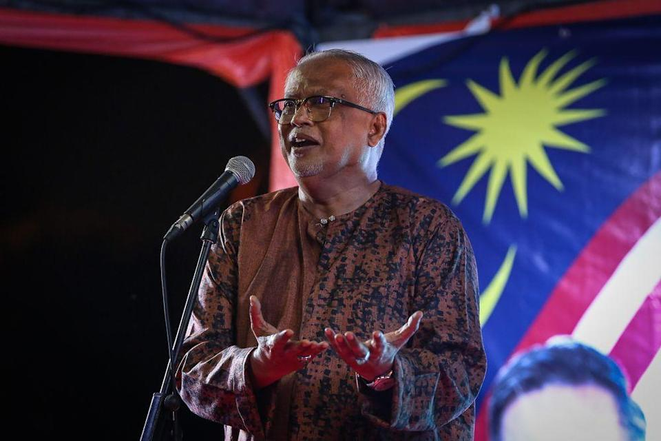 Parti Amanah Negara vice-president and Pokok Sena MP Datuk Mahfuz Omar said the Budget should not be viewed only in terms of addressing the Covid-19 pandemic but holistically as in previous years. — Picture by Yusof Mat Isa