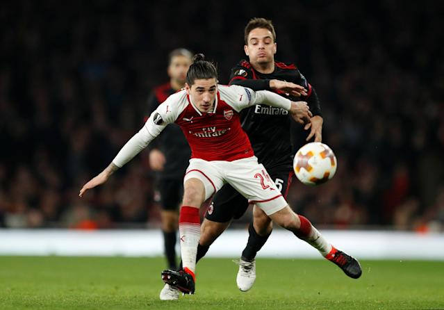 Soccer Football - Europa League Round of 16 Second Leg - Arsenal vs AC Milan - Emirates Stadium, London, Britain - March 15, 2018 AC Milan's Giacomo Bonaventura in action with Arsenal's Hector Bellerin Action Images via Reuters/John Sibley