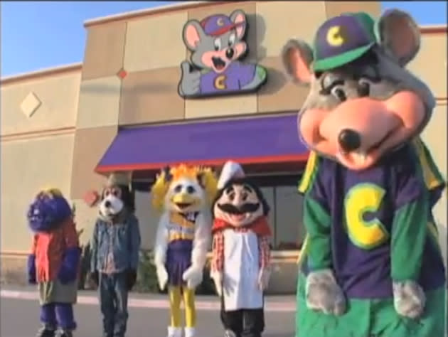 Voice Of Chuck E Cheese Replaced Actor Says He Hopes