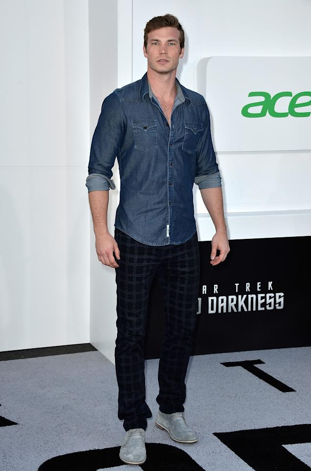 "HOLLYWOOD, CA - MAY 14:  Actor Derek Theler arrives at the premiere of Paramount Pictures' ""Star Trek Into Darkness"" at Dolby Theatre on May 14, 2013 in Hollywood, California.  (Photo by Frazer Harrison/Getty Images)"